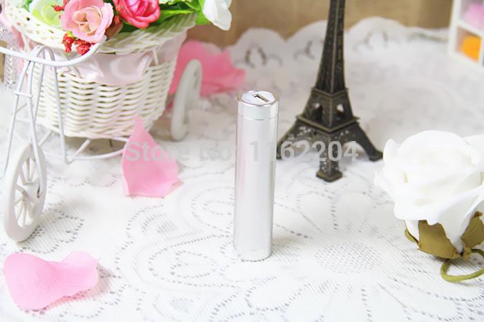 цена Зарядное устройство Made in china 100 2600mAh USB iPhone ipod, samsung, HTC + USB 008 онлайн в 2017 году