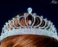 Queen styled Tiara Clear Crystal Princess Austrian Rhinestone Full Hair Crown for Bride Bridal Wedding Prom
