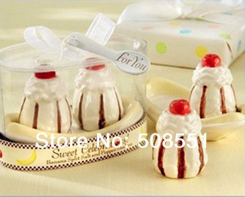 Free shipping Sweet Celebrations Ceramic Banana Split Salt and Pepper Shaker Wedding Favors/Gift Pepper Pot made in China(China (Mainland))