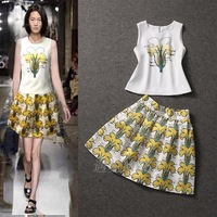 2014 New clothing set summer Blouses & Shirts flower print vest top half-length sheds twinset skirt clothing set Shirts+skirt