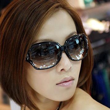 One Piece Many Colors coating sunglass 2014 Brand New sunglasses women Box Package Safe uhhn007(China (Mainland))