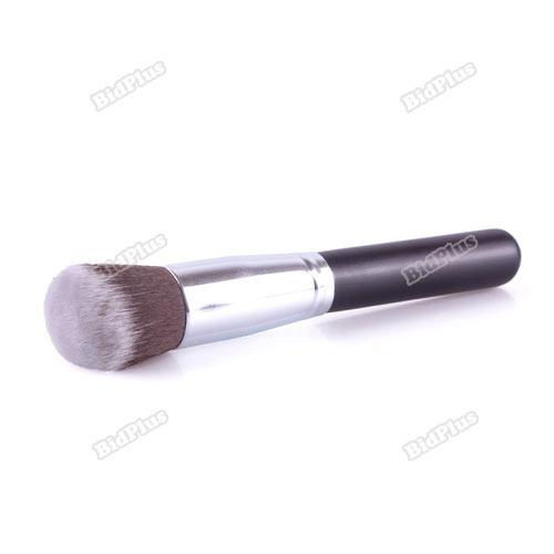 Blending Foundation Makeup