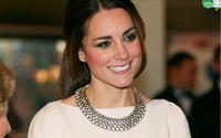 2014 new Kate Middleton Charming European Vintage Gold Metal Clear Crystal Rhinestone Choker Bib Pendant Necklace for women