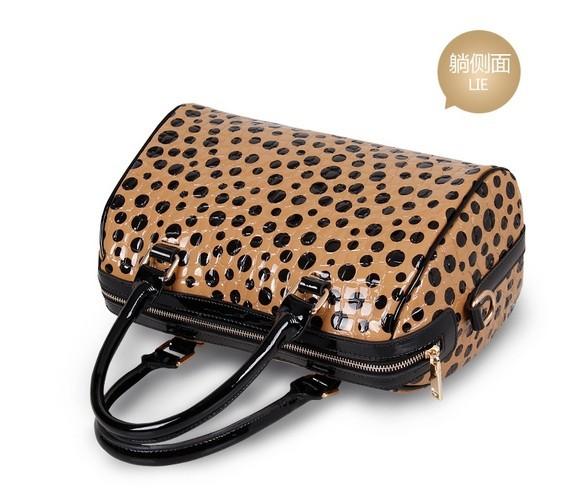 Free shipping women's dot handbag one shoulder bag messenger bag 2014 new listing fashionable totes bag clutch KW0160(China (Mainland))