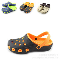 2014 new summer clogs beach sandals slippers for men garden shoes breathable hole shoes
