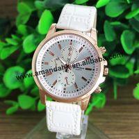 New Geneva Watch Men Fashion Quartz Watches Leather Young Sports Women Gold Watch Casual Dress Wristwatches Relogios Feminino