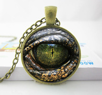 1 PC Free Shipping - Handcrafted Pendant Necklace - Reptile Eye Jewelry -Glass Cabochon Game of thrones Dragon Eye Necklace
