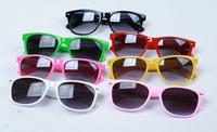 Woman Glasses2014 Fashion New Goggles Unisex Wayfarer New 80s Style Joint Multi-coloured Summer Shade UV400 Sunglasses