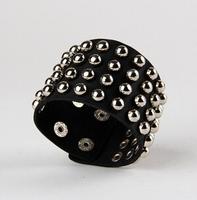 Multiple rows of rivets wild leather bracelet Men Women Universal