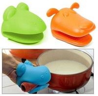 150pcs/lot hippo Mickey dog mouth Pliable Silicone Pot Holder Silicone glove Oven mitt heat insulation gloves colorful