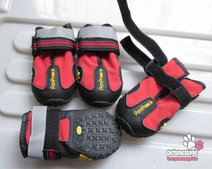 Nova produtos Pet Dog Shoes sapatos de chuva varejo 1 pçs/lote antiderrapante sapatos animal de estimação preto vermelho confortável projeto Drop Shipping sapatos(China (Mainland))