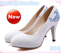 DISCOUNT !! new fashion summer women high-heeled sexy  elegant chunky sandals  plug size41 - 43  free shipping