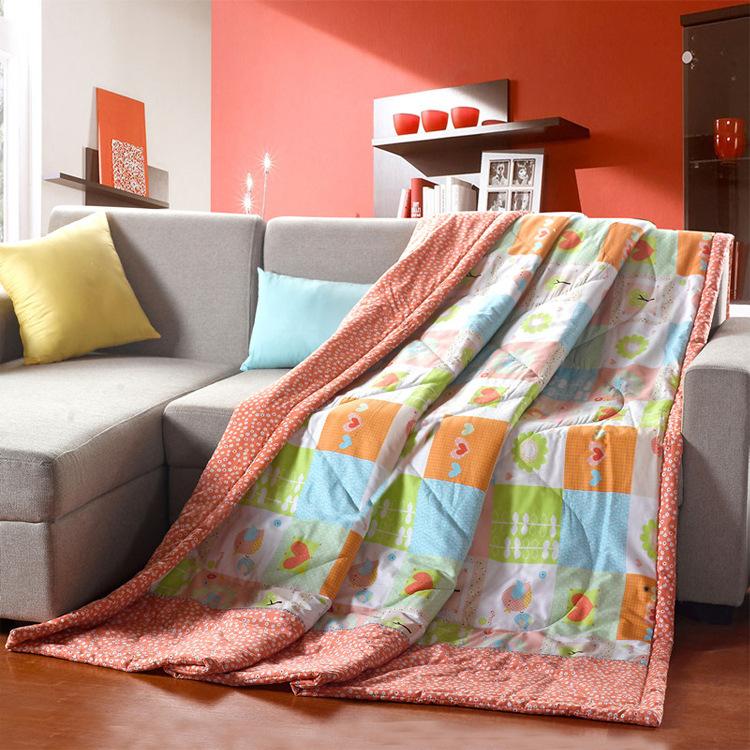 achetez en gros couette l g re en ligne des grossistes couette l g re chinois. Black Bedroom Furniture Sets. Home Design Ideas