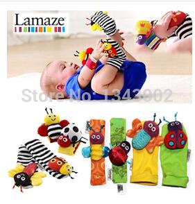 4pcs frete grátis / set bebê brinquedos chocalho Lamaze Jardim Bug Wrist Rattle Pé Socks ( 4pcs / lote)(China (Mainland))