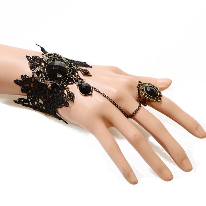 2014 Hot Sale! Newest women girl Women Heart-shaped Elegant Gem Retro Lace Bracelet Women Gothic Style Black Jewelry Bracelets(China (Mainland))