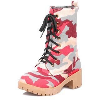 Камуфляжные ботинки на шнуровке