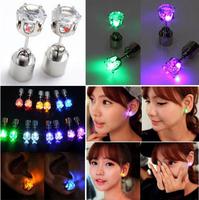 2014    Korea Hot Bar nightclub lovers must-emitting LED flash zircon earrings wholesale earrings sweet girl's gift