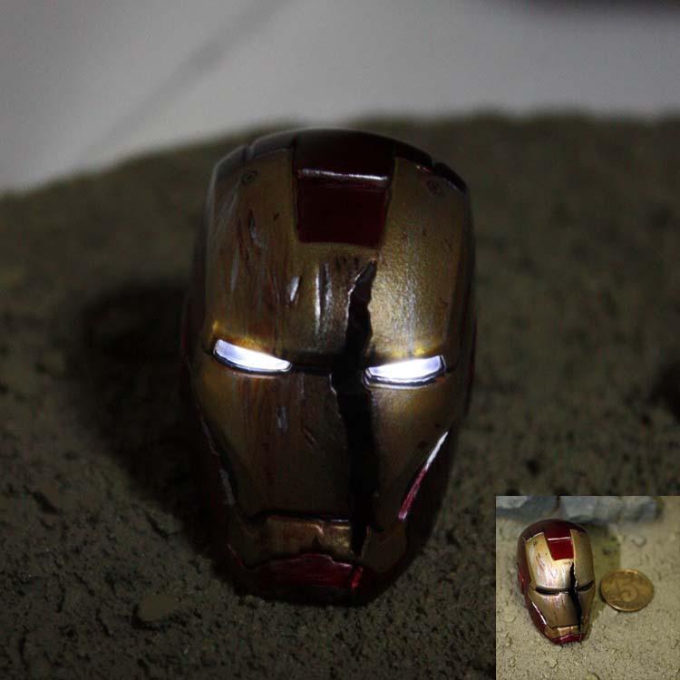 FREE SHIPPING HOT 1/6 TOYS Eyes may shine Iron man 3 Scene Battle damage helmet Can't wear(China (Mainland))