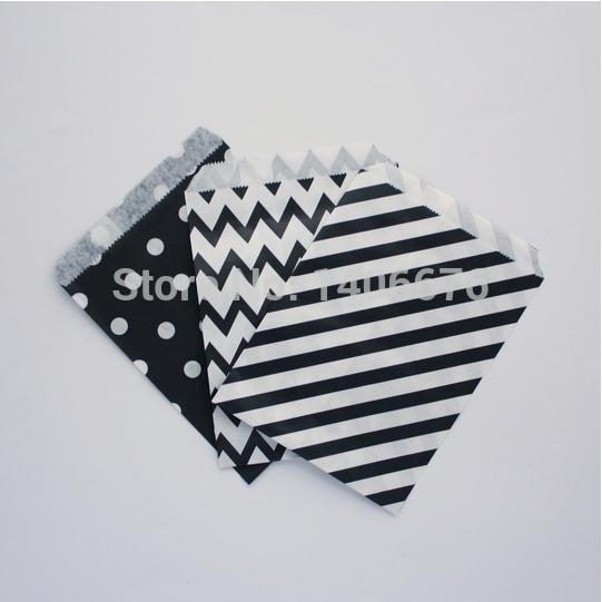150pcs/lot black set Stripe Goodie,polk dot ,chevron strpe Paper Favor Bags Party Treats bags Candy Favor Goodie Bag for Baby(China (Mainland))