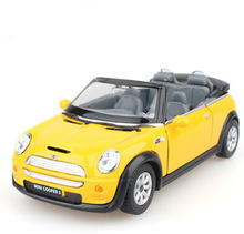 New Arrival 1:28 Scale Emulational Electric Alloy Diecast Models Car Toys, Classic Pull Back Cars, Doors Openable Car Toy(China (Mainland))