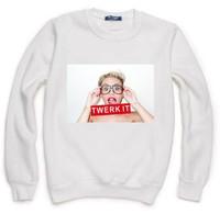Miley Cyrus Finger Twerk It Print Sweatshirt For Women Men Casual Hoody Pullover Spring Autumn Moleton Feminino XL ZY123-67