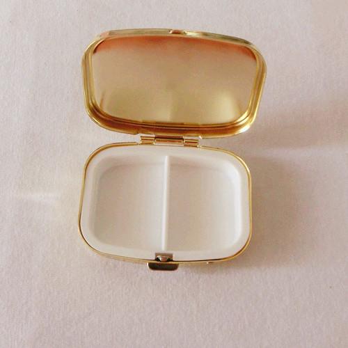 10PCS/Lot Golden Colour PE Portable One Week Health Square Box Traveling Storage Box Metal Pill Box(China (Mainland))