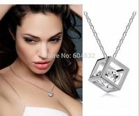 Wholesale Gold Boutique Gift Vivid Rhinestone inside exquisite Cube Geometric Choker Bib Statement Pendant Necklace