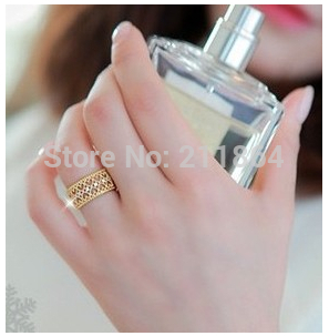 G229 Wholesale Fashion Korean Version Influx of People Openwork Rose Gold Crystal Ring Women Love Jewelry