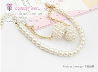 Three-dimensional pearls bows gold double bracelets there are matching necklace L0586