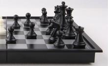 Expédition gratuite Chess Set Top qualité en bois Chess Pieces pliant Board Set chessman- magnétique Voyage Accueil jeu de société Collection(China (Mainland))