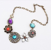 1702#Factory direct sales to Europe and the United States retro fine flower crystal necklace