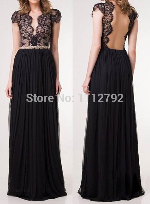 Vestido de festa preto com decote nas costas