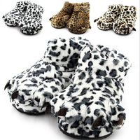 1Pair Unisex Winter Warm Home Indoor Shoes Personality Soft Plush Leopard Print Cotton Slippers Claw Shape Home Shoes AY673323