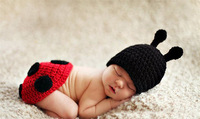 Free shipping The new two-piece children's photography Ladybug Kids Knit Kit newborn knitted suits a generation of fat