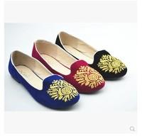 European fashion plus size women shoes flats velvet embroidered  flats comfortable brief women flats flexible outsoles 3 colors