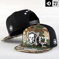 Skull Hip-hop hat, baseball cap / tide flat brimmed hat men and women skateboard / Korean version of the hat.