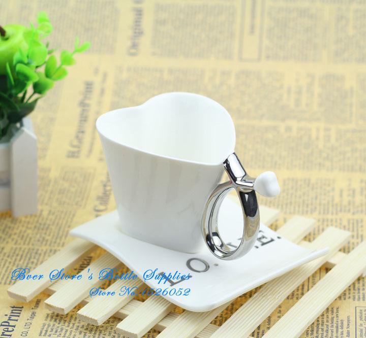 Love Shape Mug's Design White Coffe/Milk Cup Ceramic 1PCs(China (Mainland))