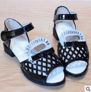 frete grátis o novo verão marca 2014 meninas amam sandálias de pequenos estaleiros rebites crianças sandálias da moda sapatos de grife 366(China (Mainland))