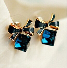 Blue Kiss E480 The Fashion 2014 Chic Shimmer Gold Bow Cubic Crystal Earrings Gold Tone GP