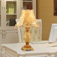 Luxurious Ancient Italian  European Style pistol fabric resin cloth art Table Lamp vintage Bedside Lamps lighting light-fixture