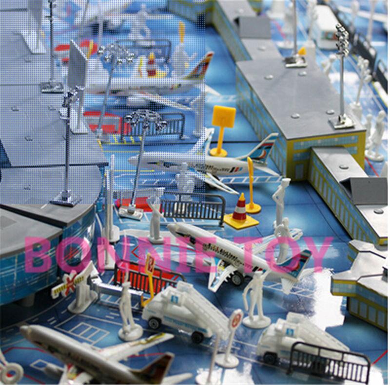 O envio gratuito de brinquedo pista do aeroporto chão Runway 200 pçs/set avião sinais entrega caminhão e ônibus(China (Mainland))