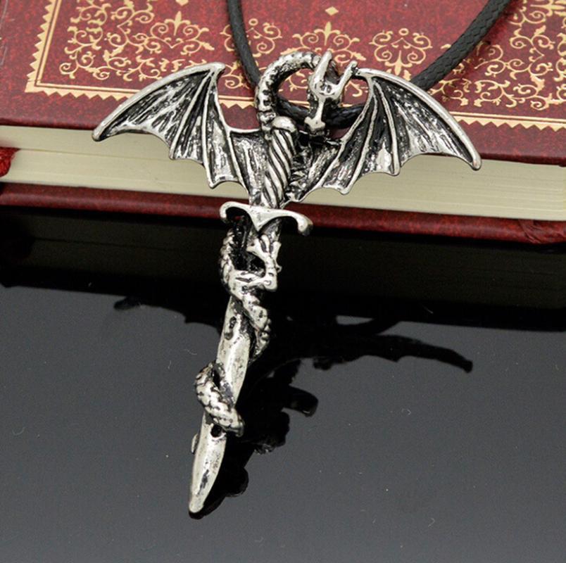2015 hot herren fliegen dragon sword titan edelstahl stahl halskette(China (Mainland))