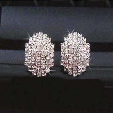 Free Shipping 2015 Fashon Earring Korean Super Flash Imitation Diamond Retro Beetle Stud Earrings For Women Girls Gift E110(China (Mainland))