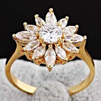 Size 7-8# Upscale Brand Jewelry Full Big Clear Cubic Zirconia 18K Gold Women Flower Engagement Wedding Bridal Band Ring A1142