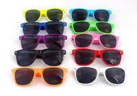 أزياء جديدة للجنسين نظارات 2015 النساء نظارات شمسية ابن السبيل نمط جديد 80s مشتركة متعددة-- ملون الصيف الظل uv400 النظارات الشمسية
