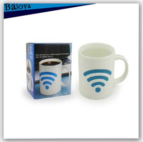 2015 new mug wake up cup Cool Color Changing novelty gift drinkware coffee mug temperature Ceramic cup(China (Mainland))