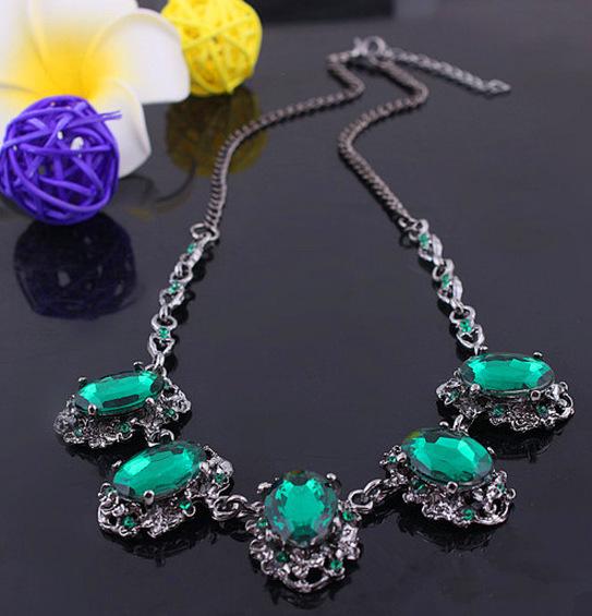 2015 Vintage Green / Red Stone Choker Necklace Emerald Rhinestone Bib Necklace Fashion Party Jewelry Necklace Women BJN1566(China (Mainland))