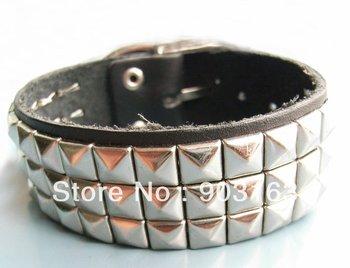 New wholesale!Cool Leather And Rivet Bracelet wristband Handmade Comfortable / hand chain / fashion bracelet, Black