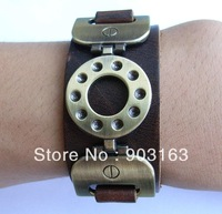 Wholesale best selling New Guaranteed 100% New wide Brown/ Black leather cuff bracelet brass grommets