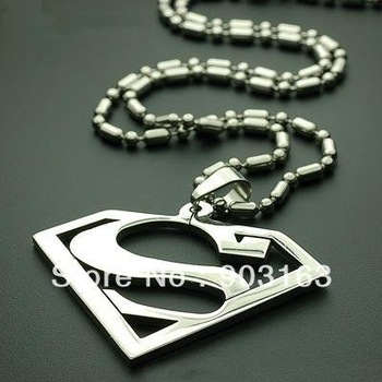 Wholesale 5pcs best selling New Arrival stainless Steel Superman Pendant free Chain Gift + free shipping
